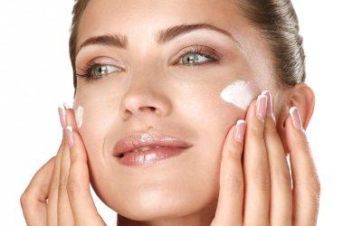 Crema anti-aging: cosa è, come si usa e a cosa serve la crema anti-età